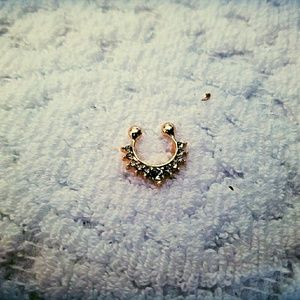 Gold non pierce nose ring